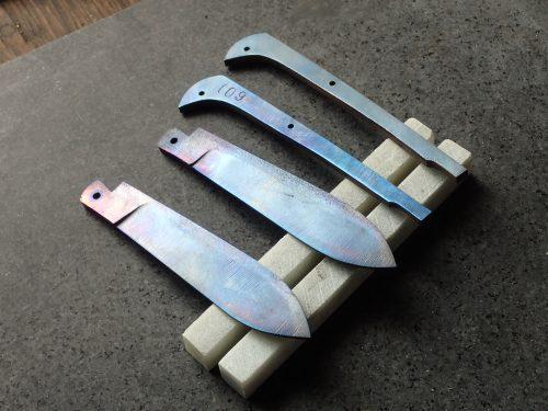 lames et ressorts de couteaux pliants
